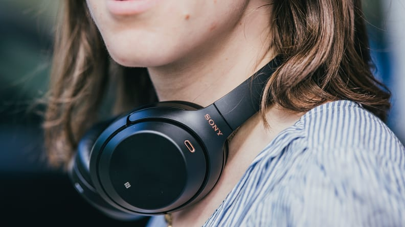 How To Avoid External Noise While Hearing Songs?